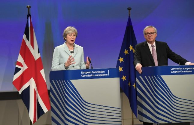 EU and UK reach initial agreement on citizens' rights, no Irish border and divorce settlement