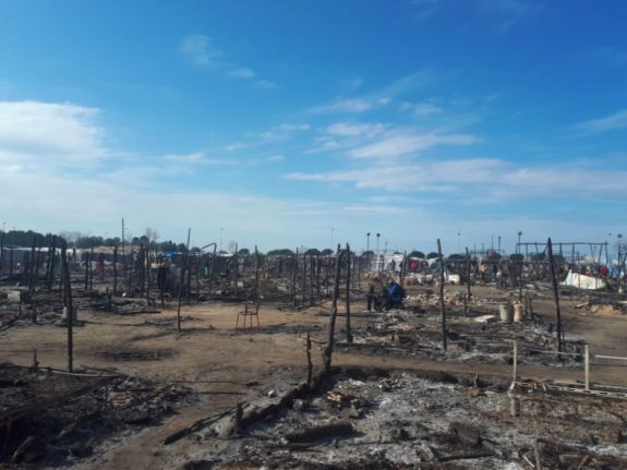 Migrant workers in Calabria protest after woman dies in tent city fire