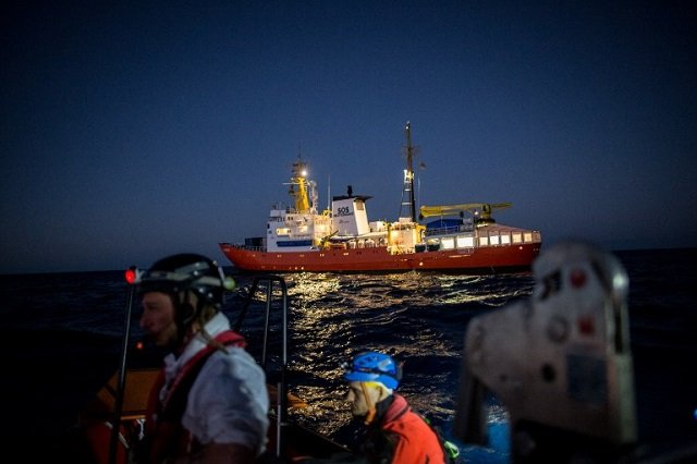 1,400 migrants brought to Italy, two bodies recovered after rescue at sea
