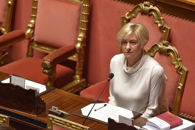 Italy to send troops to Niger to tackle people trafficking