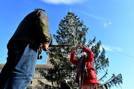 Rome's 'baldy' Christmas tree destined for museum: report