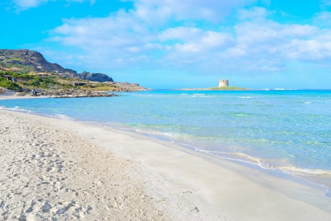 Beach in Sardinia mulls banning towels to tackle tourist damage