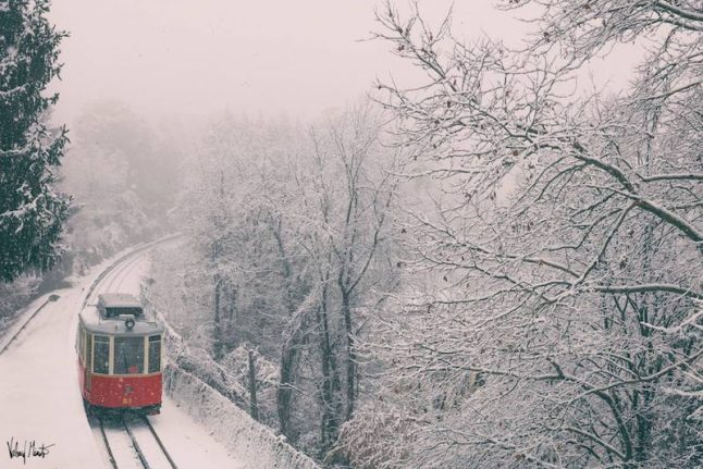 Snow, ice and freezing rain set in as Italy braces for a wintery weekend