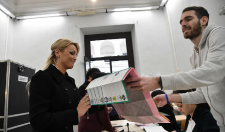 Italy votes in unpredictable poll led by populists