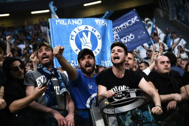 Napoli coach unrepentant for giving Juventus fans the finger