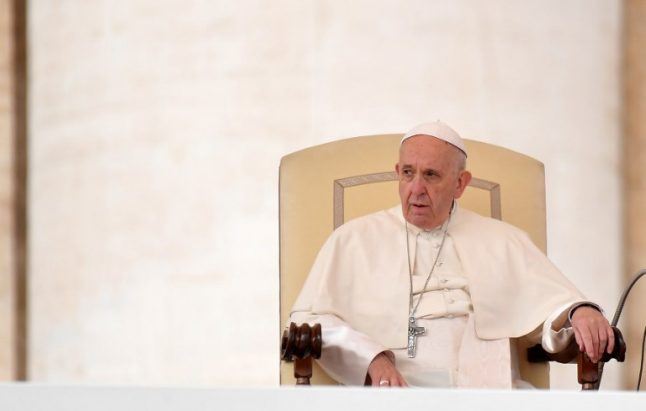 Pope admits 'grave mistakes' in handling of Chile sex abuse scandal