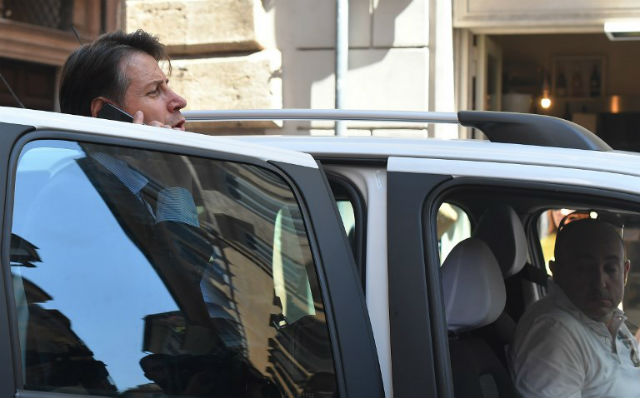 Standoff drags on in Italy over new economy minister