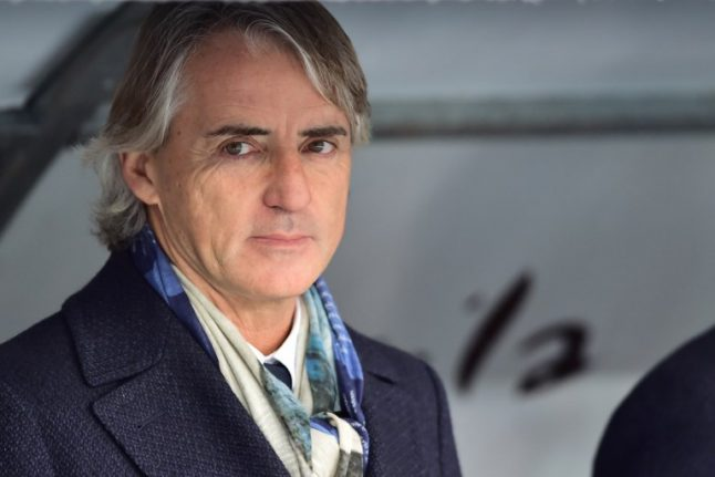 Roberto Mancini signs on to coach Italy