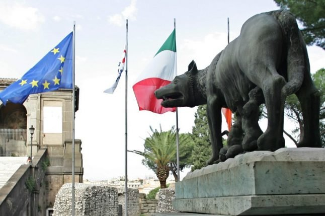 What does Italy's constitution have to say about its political crisis?