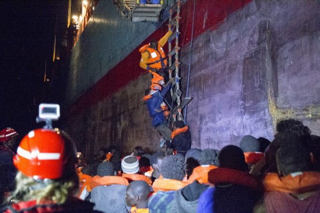 Danish Maersk Line ship rescues 113 migrants in southern Italy
