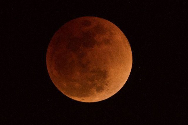 Blood Moon: How and where to see Friday's total lunar eclipse in Italy