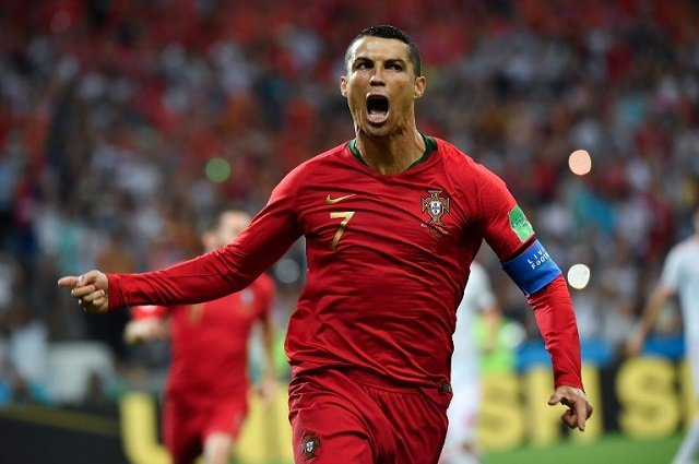 All eyes on Turin after Ronaldo's surprise arrival