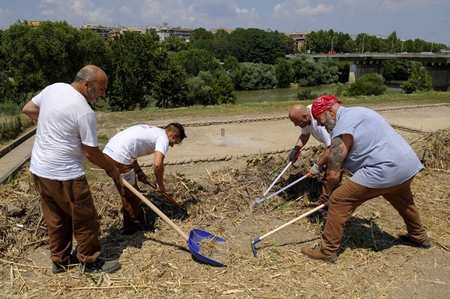 Rome's green-fingered inmates clean up the city's parks and gardens