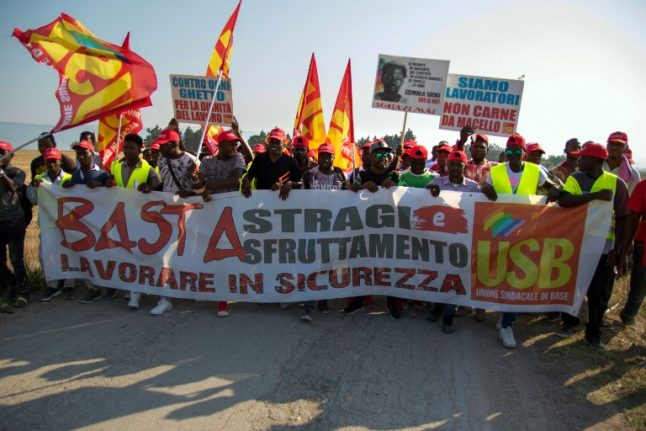 Farm workers protest in Italy after migrant crash deaths