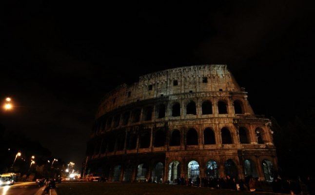How Rome's monuments went dark in remembrance of Genoa bridge victims