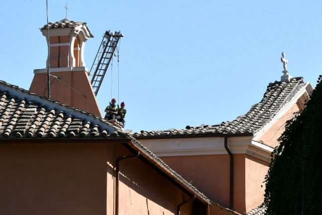 Historic church roof collapses in Rome