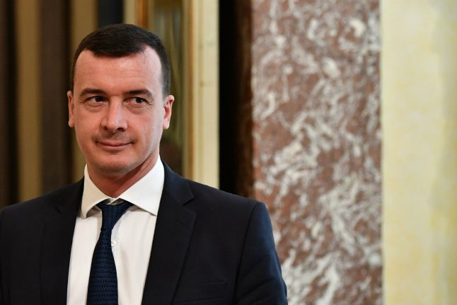 Italy spokesman threatens treasury staff over cash for election promises