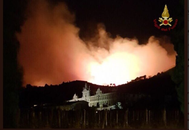 500 evacuated as forest fire strikes near Pisa