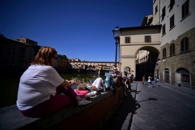 Florence bans snacking on historic streets