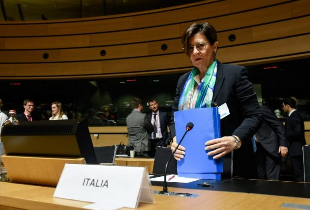 France 'partly to blame' for Libya crisis, says Italian defence minister