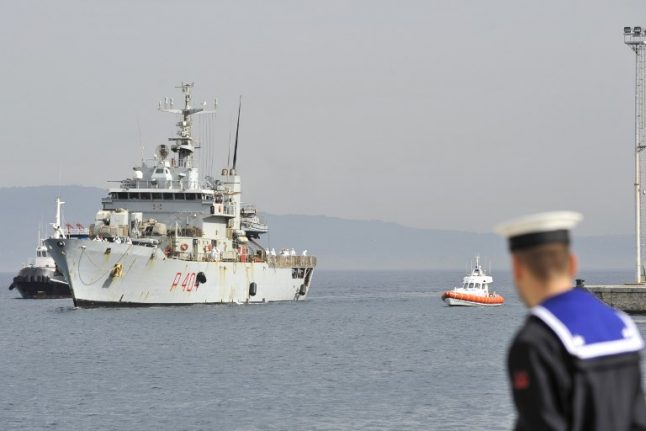 Italian navy vessel smuggled crates of cigarettes from Libya
