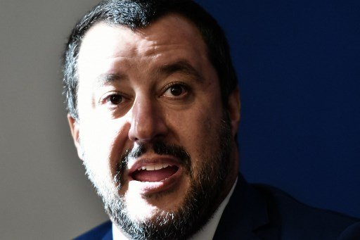 Italy says it won't budge over budget
