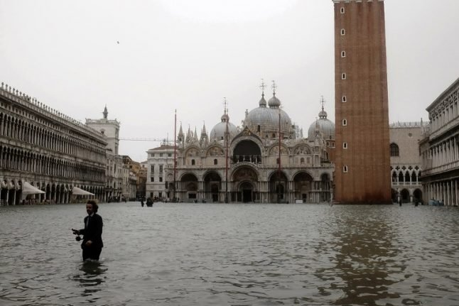 Tourists evacuated as Venice flooding reaches historic levels