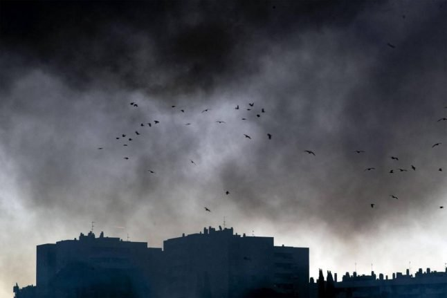 Fire in Rome: toxic smoke from waste blaze spreading over the city