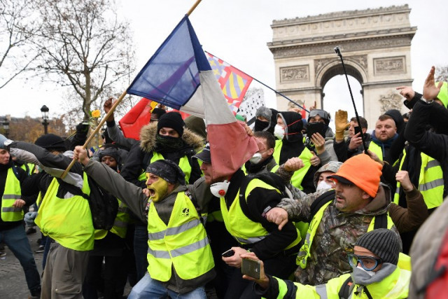 Italian leaders back French 'yellow vest' protesters