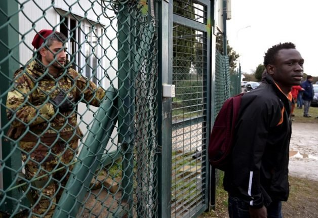 Hundreds evicted as Italy closes its second-largest migrant centre