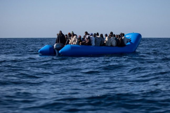 Save the Children urges Italy to let rescued minors land
