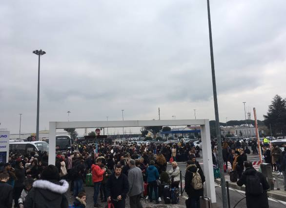 Rome Ciampino airport departures closed by fire