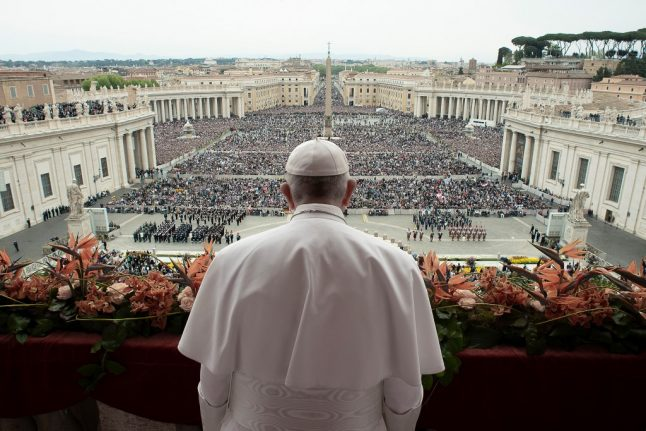 Pope urges Libya peace, return of refugees to Syria