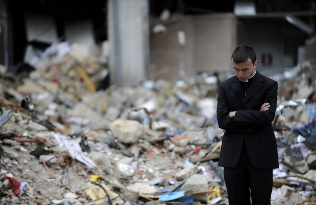 Italy remembers L'Aquila dead 10 years after quake