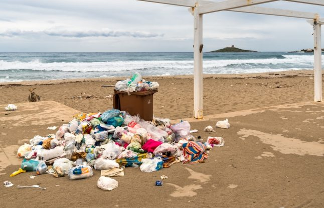 What is Italy doing about the shocking level of plastic pollution on its coastline?
