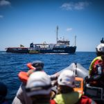 Italy tells rescue ship carrying migrants to stay away