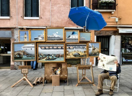 Banksy in Venice? New work appears and perhaps the artist himself