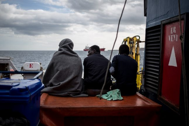 Families rescued off Libya allowed to land in Italy