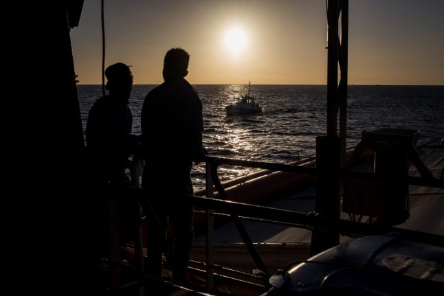 Italy to fine migrant boats up to €50,000 for approaching without permission