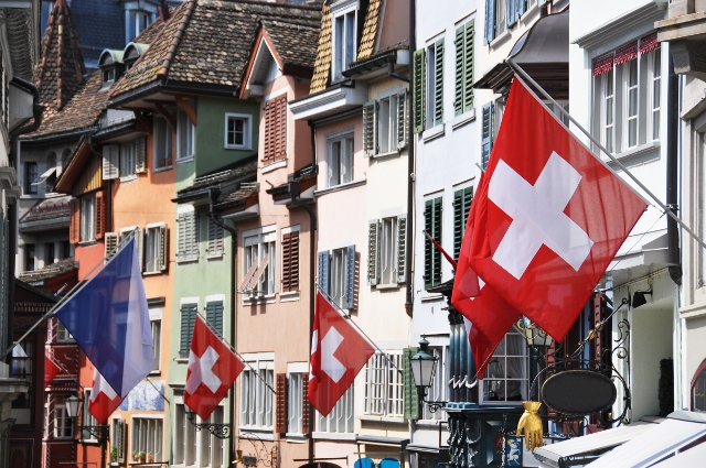 Europe & You: An interesting new Brexit poll and what's Switzerland's problem with the EU?
