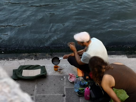 Venice tourists hit with €950 fine for making coffee by famous Rialto bridge