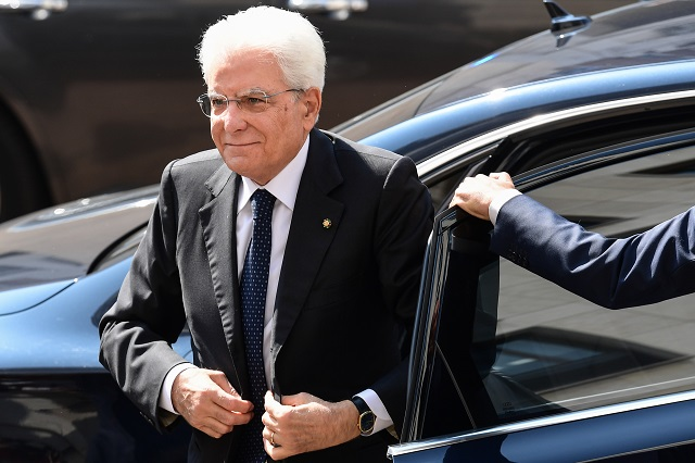 Italy enters second day of talks aimed at solving political crisis