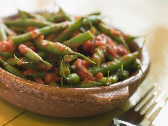 How to make Pugliese green beans in tomato sauce
