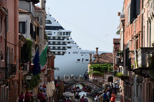Venice leads European cities in call for new cruise ship rules
