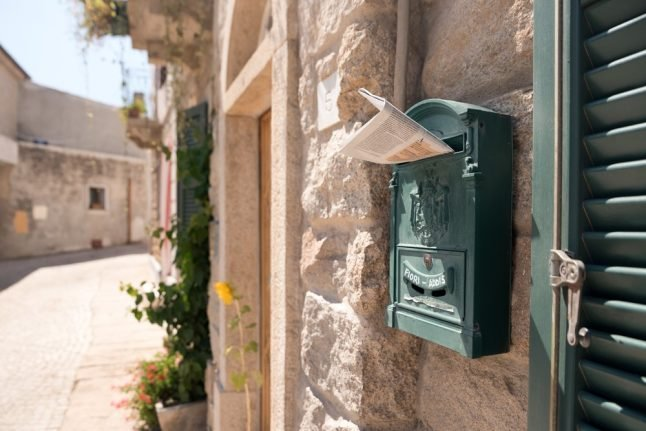 Italian problems: Figuring out the post office (and how to get through the door)