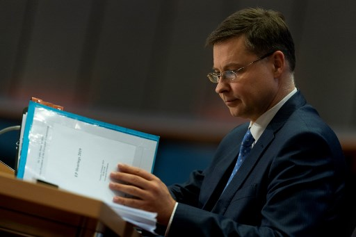 Budget: Brussels demands 'clarification' from Italy over spending plan