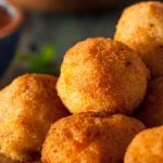 How to make fried ricotta cheese and courgette balls