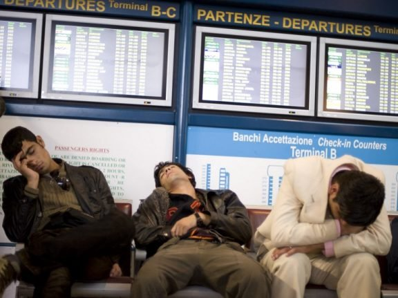 Hundreds of flights affected as strikes 'close' Italian airspace