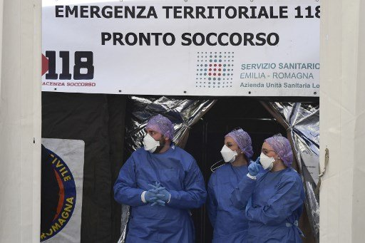 Italy spells out new coronavirus rules: No more kissing and over-75s told to stay home