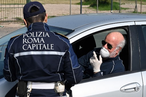 Italy announces fines of up to €3,000 for breaking quarantine rules